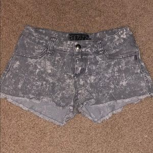 Gray acid wash denim short shorts